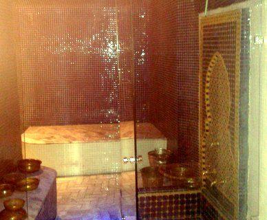 Sakkaya et table de gommage