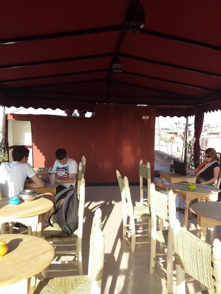 restaurant chez zaza marrakech. Black Bedroom Furniture Sets. Home Design Ideas